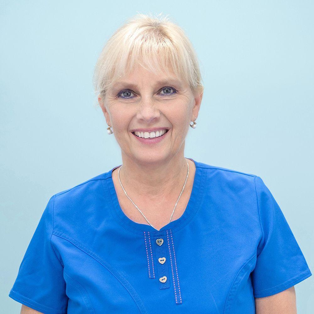 Dr. Cakó Annamária Klinika vezető, <br />fogorvos